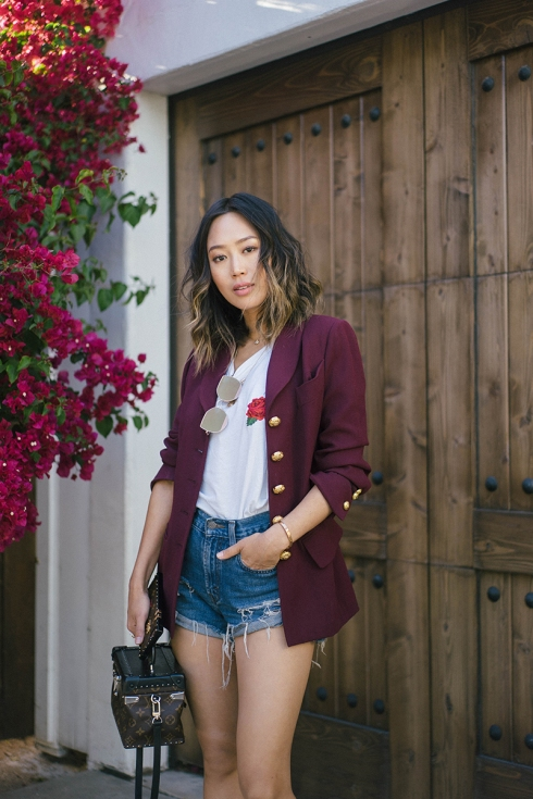 aimee_Song_of_style_levis_shorts_vintage_celine_blazer_two_songs_rose_tits_tee